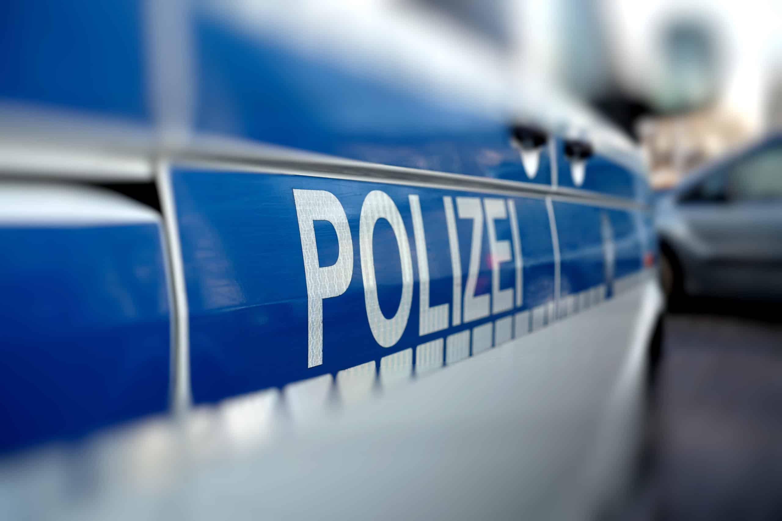 Übergabe an die Polizei - Waffenhandel Oltmanns